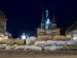 Marktplatz Wernigerode 27.7.17 Überflutungsgefahr durch Holtemme